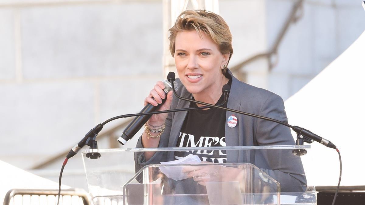 Scarlett Johansson, este sábado, durante la Marcha de las Mujeres en Los Ángeles.
