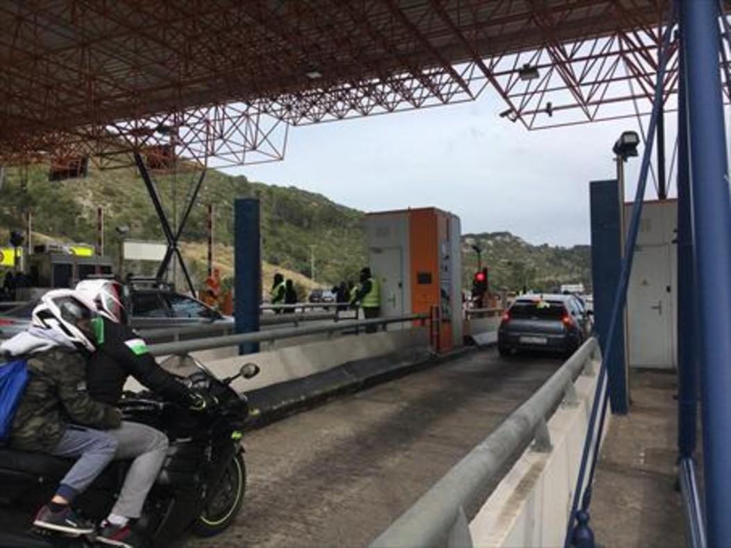 Vigilancia policial y acciones de los CDR en la C-32 y la AP-7, ayer y el domingo.