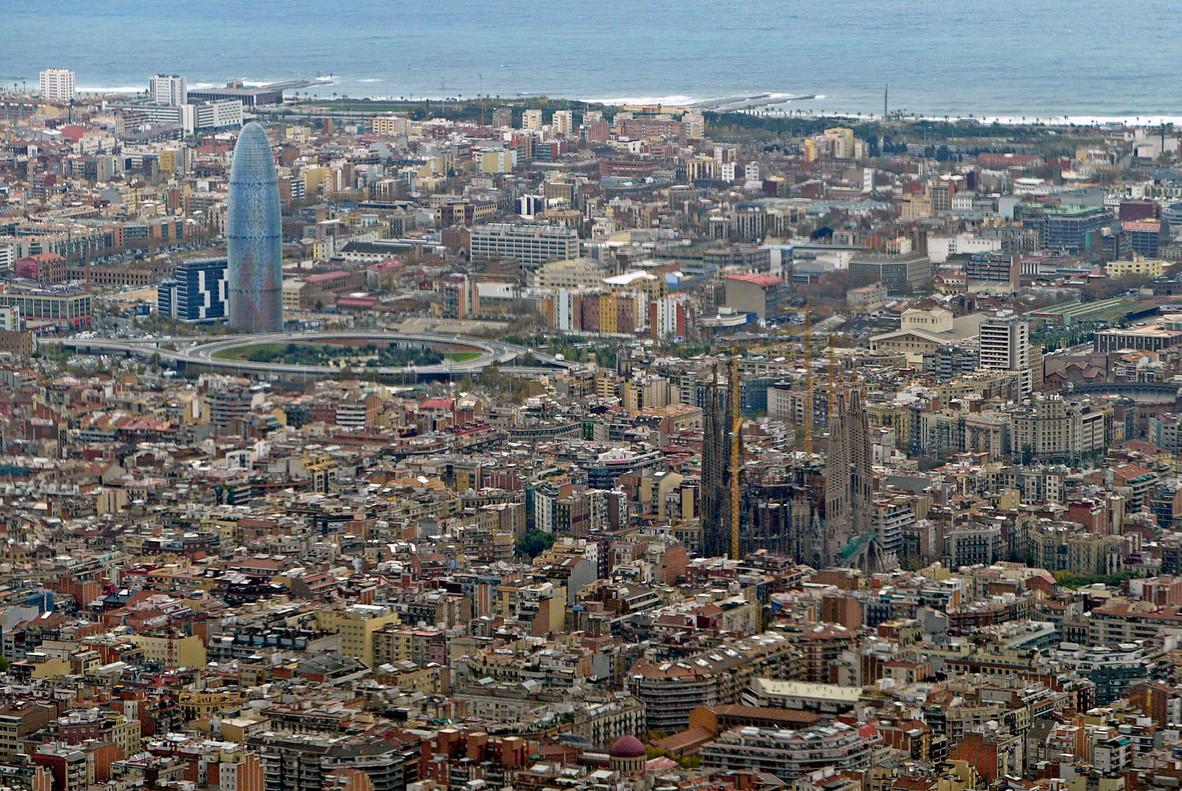 Vista de Barcelona tomada desde un helicóptero, en una imagen de archivo.