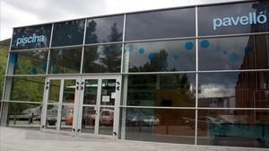 Fachada de las instalaciones deportivas municipales de Ripoll.