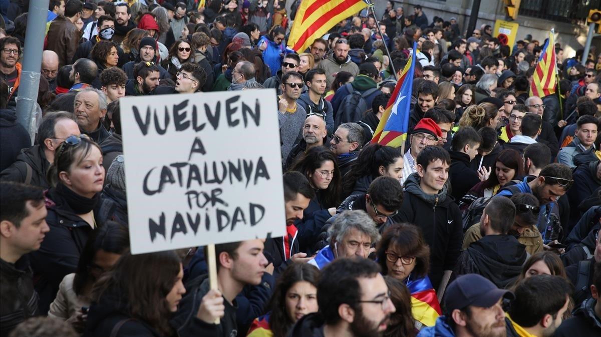 Els CDR metropolitans s'uneixen a la manifestació unitària contra el Consell de Ministres