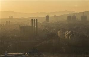 dcaminal37784180 barcelona 20 3 2017 contaminacion en el paralel i resto de170615140039