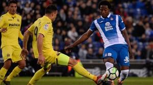 rpaniagua42188317 villarreal s midfielder javi fuego l vies with espanyol s 180218190027
