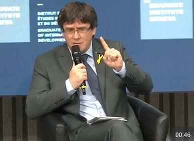 Diverses persones contràries a la independència increpen Puigdemont en un col·loqui a Ginebra (CA)