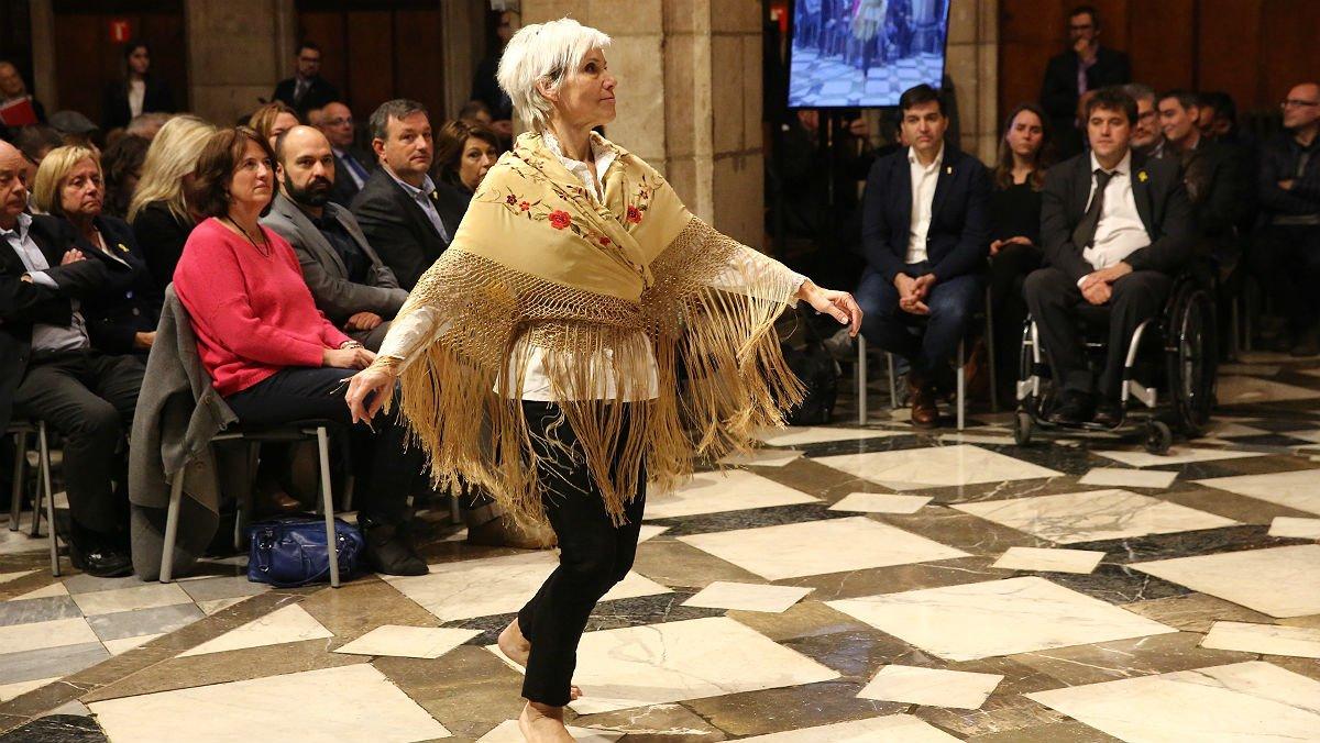 Resultado de imagen de danza en el Palau de la Generalitat