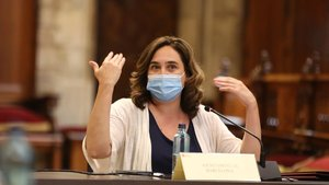 La alcaldesa de Barcelona, Ada Colau en el Saló de Cent.