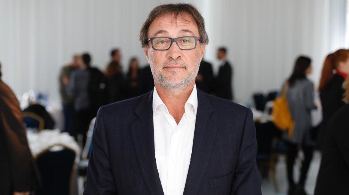 Agustí Benedito en una conferencia de Primera Plana.