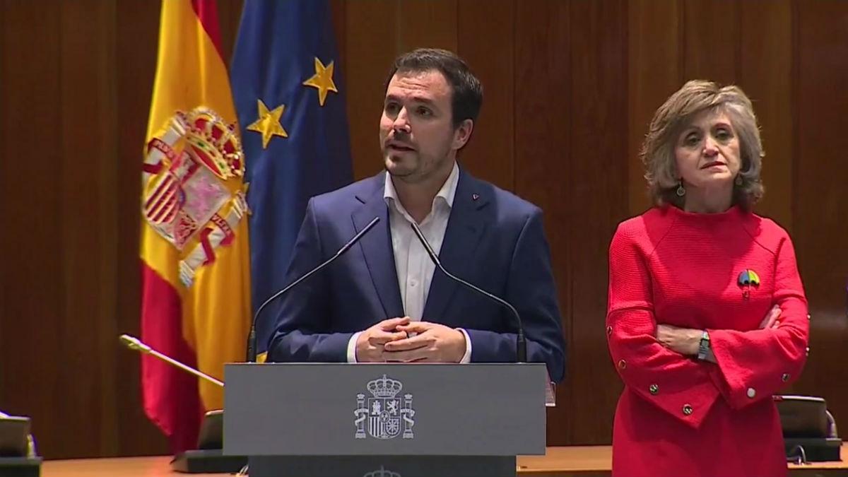 Alberto Garzón después de tomar posesión como ministro.