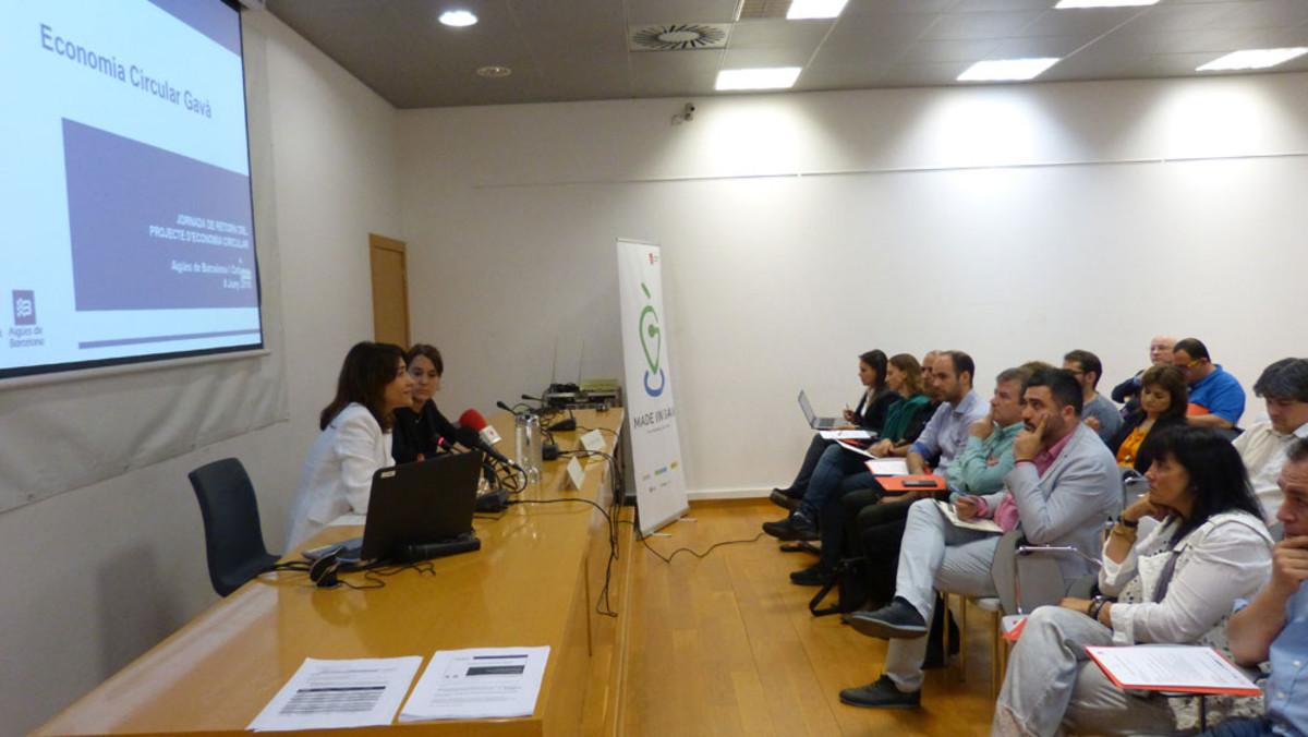 La alcaldesa Raquel Sánchez enun acto sobre economía circular organizado en Gavà