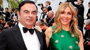 Carlos Ghosn y su esposa Carole en un acto.