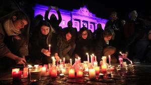 Concentración contra el maltrato a las mujeres en la plaza de Sant Jaume, el pasado 25 de noviembre.