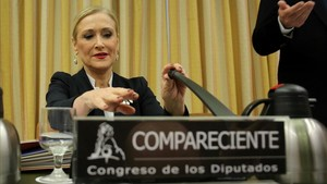 Cifuentes se presenta ante el Congreso como una víctima de Granados