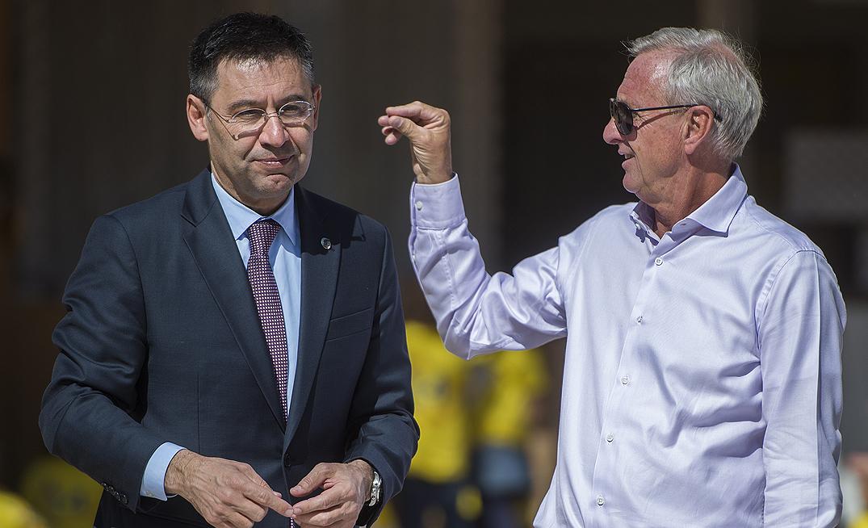 El president del Barça i el tècnic holandès presenten el projecte Pati 14, al CEIP Seat de la Zona Franca.