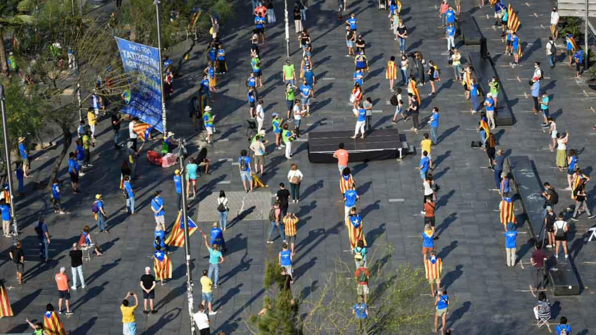 La concentración de la Diada de Catalunya 2020 en la plaza de la Universitat de Barcelona.