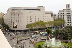 Edificio de El Corte Inglés en plaza de Catalunya.
