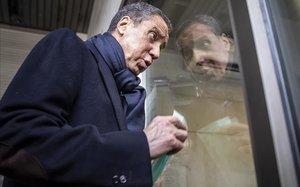 Eduardo Zaplana, en los juzgados de València, donde acude regularmente a firmar para cumplir con la medida preventiva que le impuso la jueza.