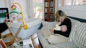El Suprem declara exemptes de l'IRPF les prestacions per maternitat
