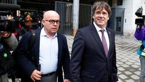 El abogado Gonzalo Boyey Carles Puigdemontla semana pasada en Bruselas ACN