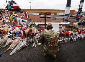 Homenaje por las víctimas del tiroteo de El Paso.