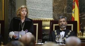La fiscal general del Estado, Consuelo Madrigal, y el presidente del Consejo General del Poder Judicial, Carlos Lesmes.