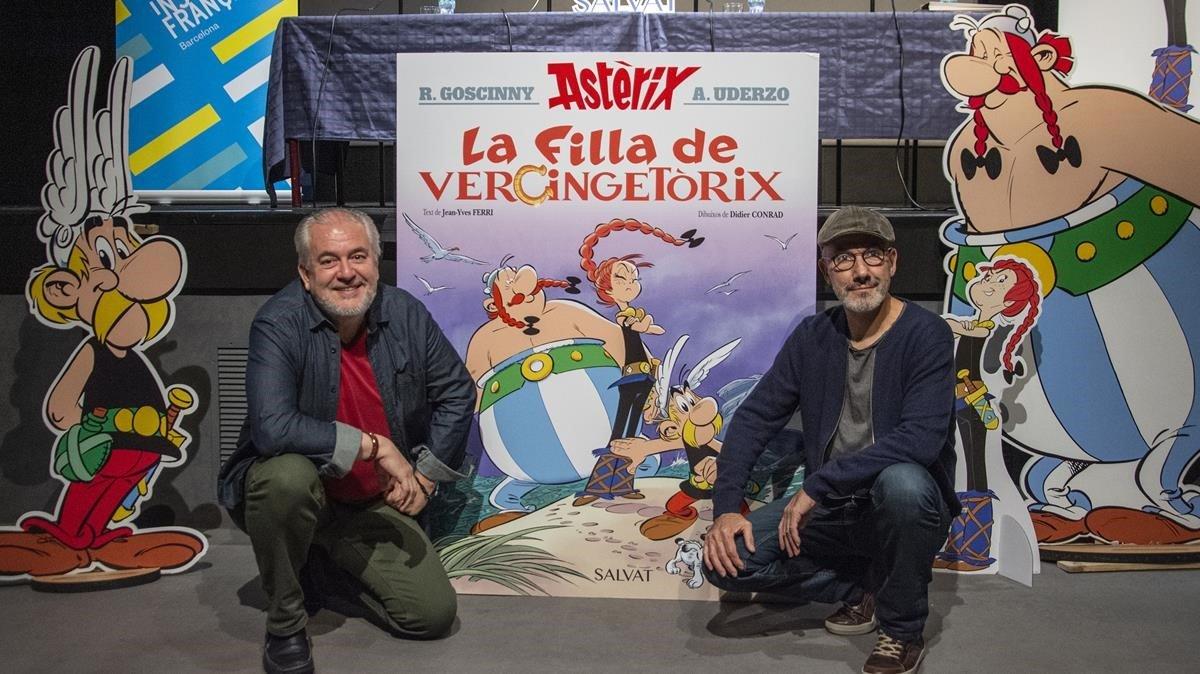 Jean-Yves Ferri y Didier Conrad (derecha), este martes en el Institu Français de Barcelona.