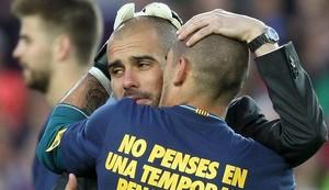 Josep Guardiola y Víctor Valdés en su etapa en el Barcelona.