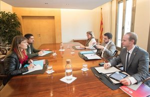 Reunión entre el Govern y los comuns este jueves en la Conselleria.
