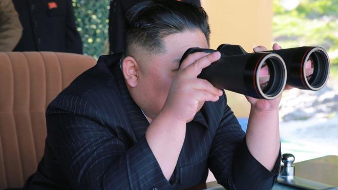 Kim Jong-un supervisa personalmente el último lanzamiento de misiles en Corea del Norte.