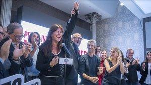 Laura Borràs celebra los resultados en la sede del JxCat, este domingo.