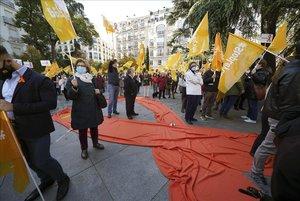 Concentración frente al Congreso de los Diputados contra la Ley Celaá.