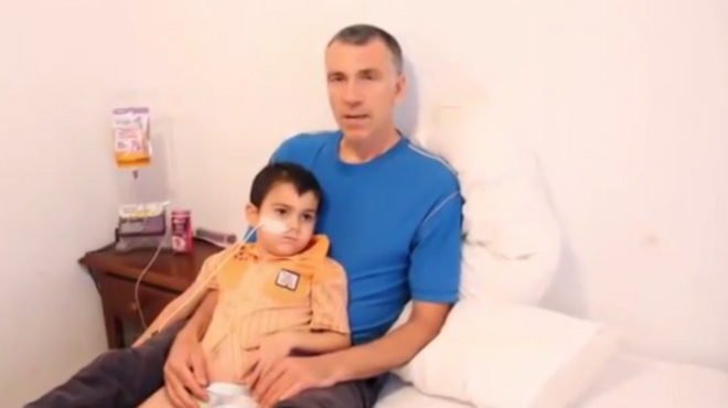 Los padres cuelgan un vídeo explicando el porqué decidieron sacar al niño del hospital