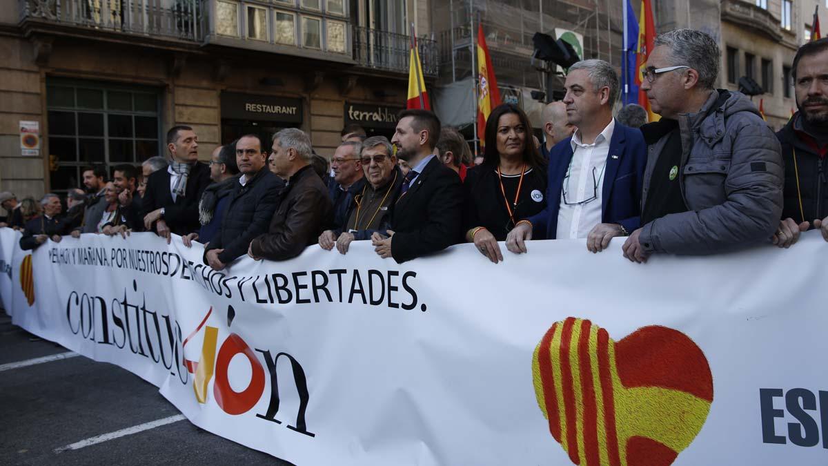 Manifestación de España i Catalans de Via Layetana a Correos.