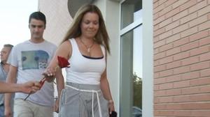 María José Campanario, a la salida del hotel de Peralta.