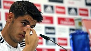 Morata, durante una rueda de prensa como jugador del Madrid.