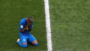 Neymar llora nada más acabar el partido en San Petesburgo ante Costa Rica.