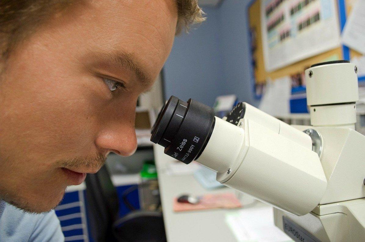 El 64,52% de los científicos en el exterior regresaría si mejorasen sus condiciones laborales