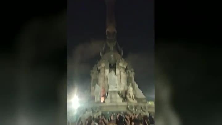 Vídeo distribuido por el colectivo El Barri Resisteixa través de su canal de Telegram.