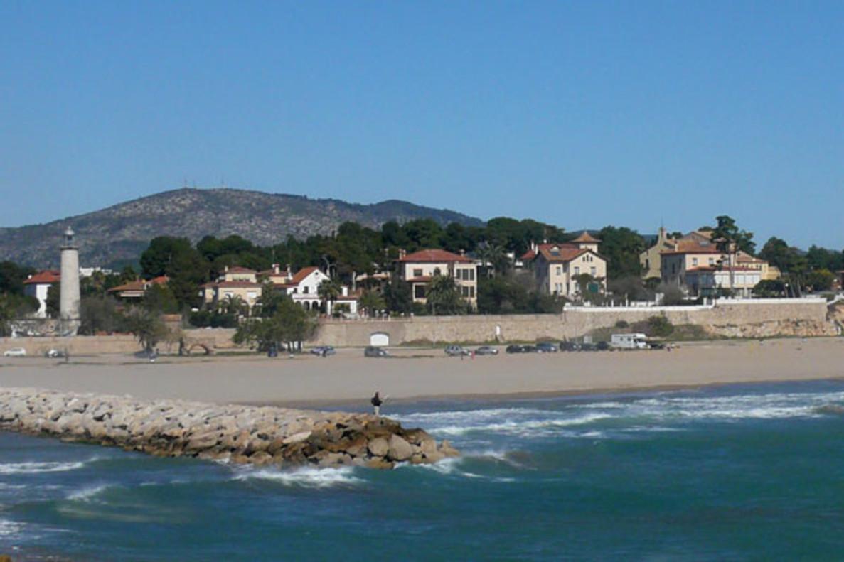 Playa del far de Vilanova i la Geltrú donde se celebra el festival.