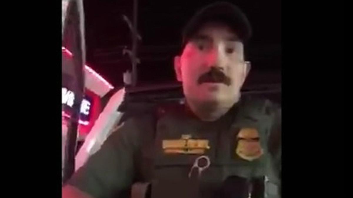El policía de fronteras que ha pedido a las dos chicas estadounidenses que se identifiquen por hablar español