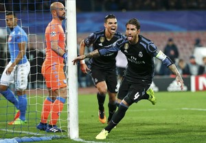Ramos celebra su primer gol tras un saque de esquina de Kroos.