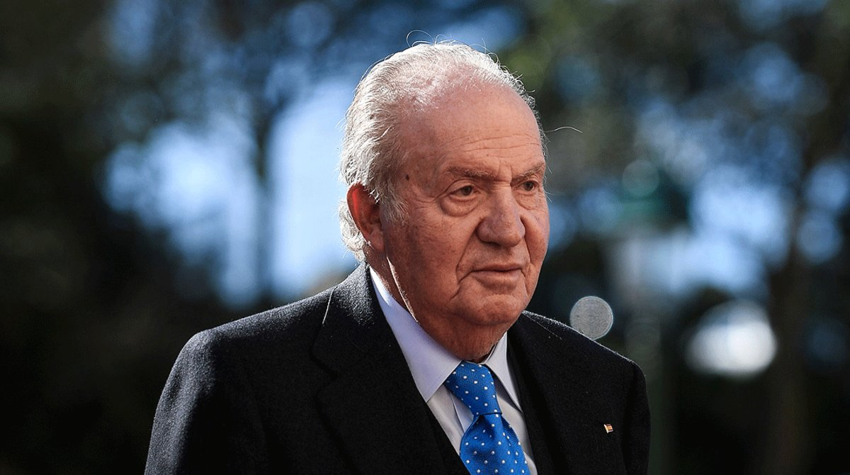 El rey emérito, Juan Carlos I, acude a un acto en el Palacio Nacional y Convento de Mafra (Portugal), en febrero del 2018.