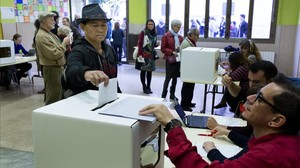 Malestar en instituts establerts com a punts de votació de l'1-O