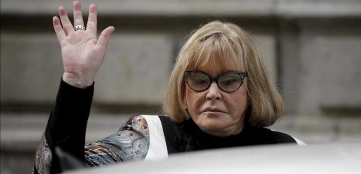 La jueza argentina María Servini ala salida de la Audiencia Nacional en Madrid,donde ha tomado declaración a dos víctimas de la dictadura.