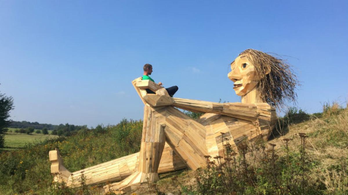 Un carpintero 'esconde' seis gigantes de madera en los bosques de Copenhague