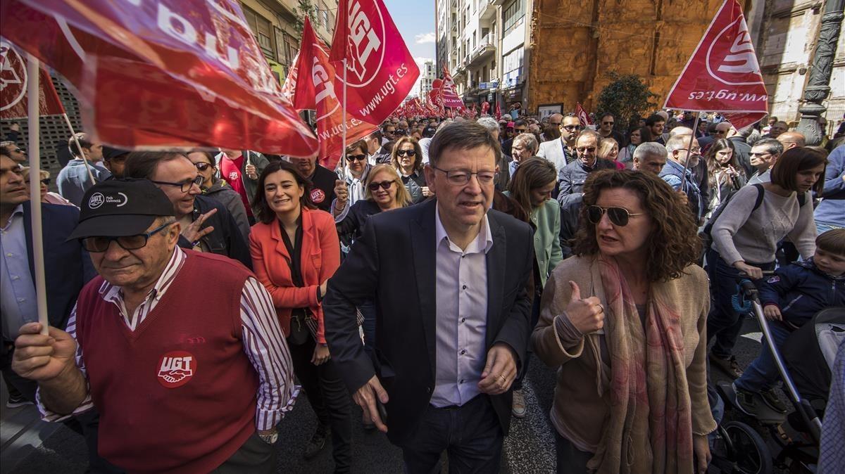Ximo Puig, presidente de la comunidad valenciana, presente en la manifestación.