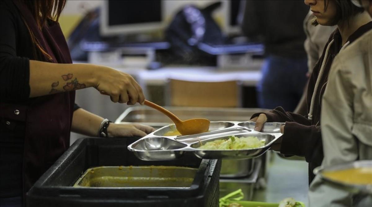 Comedor en el instituto Santa Eulàlia de Terrassa, gestionado por la oenegé Associació Educativa Can Palet.