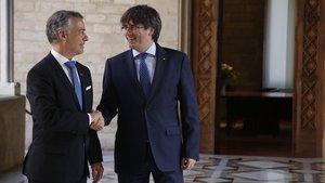 Puigdemont va desatendre l'últim intent de mediació d'Urkullu el dia de la DUI
