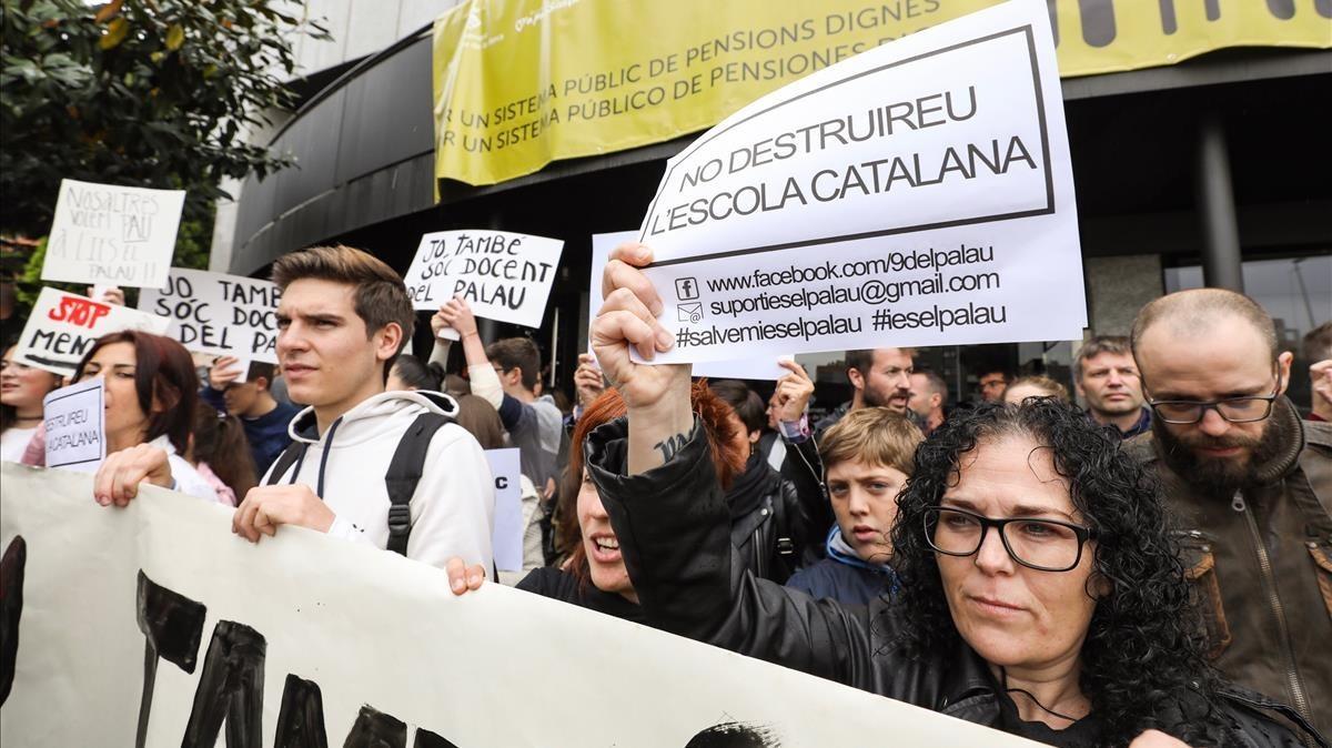 Els professors denunciats a Sant Andreu de la Barca demanen el trasllat