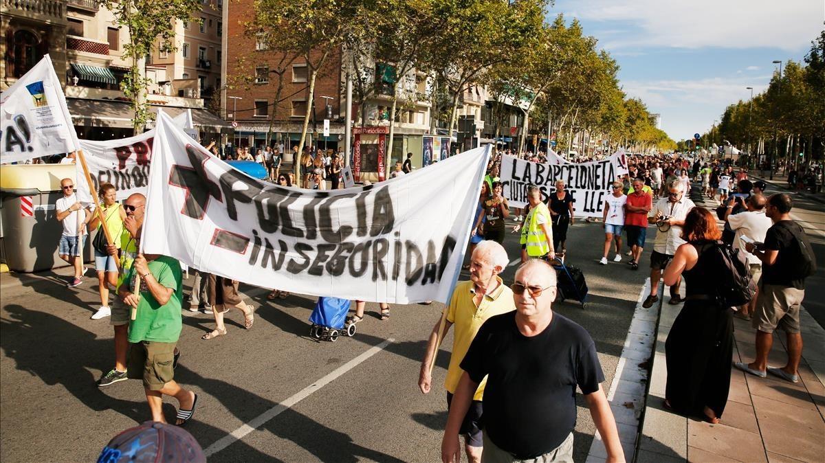 Marcha del 18 de agosto en la Barceloneta contra la inseguridad y el incivismo.