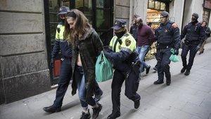 El fiscal acusa 58 membres d'una xarxa de narcopisos de Barcelona